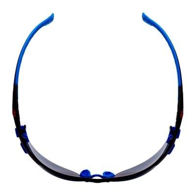 3M™ Solus™ Schutzbrille mit blau-/schwarzem Rahmen, Scotchgard™ Anti-Fog-Beschichtung